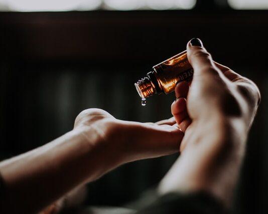kosmetyki do pielęgnacji, kosmetyki pielęgnacyjne, krem nawilżający, żel do mycia twarzy, serum, tonik, najlepsze kosmetyki do pielęgnacji, balsam, maseczki, peeling
