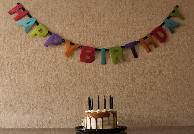 prezent dla nastolatka, pomysły na prezent dla nastolatka, co kupić nastolatkowi na urodziny, prezent dla nastolatka na urodziny, tani prezent dla nastolatka, co kupić nastolatkowi