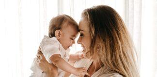 prezent dla świeżo upieczonej mamy, prezent dla mamy, prezent dla młodej mamy, co kupić młodej mamie, prezent dla kobiety, prezenty, pomysły na prezent