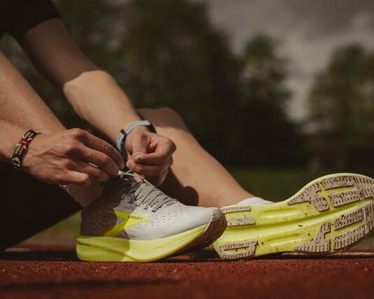 buty do biegania, obuwie do biegania, buty treningowe, buty na trening, buty, jakie buty do biegania, jak dopasować buty do biegania, najlepsze buty do biegania